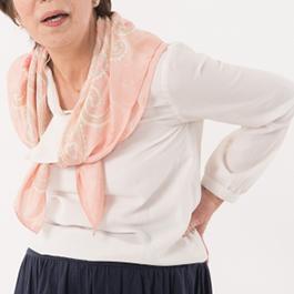 中高年の女性は、「体力と運動機能の低下」により選ぶファッションが限定されてくる。